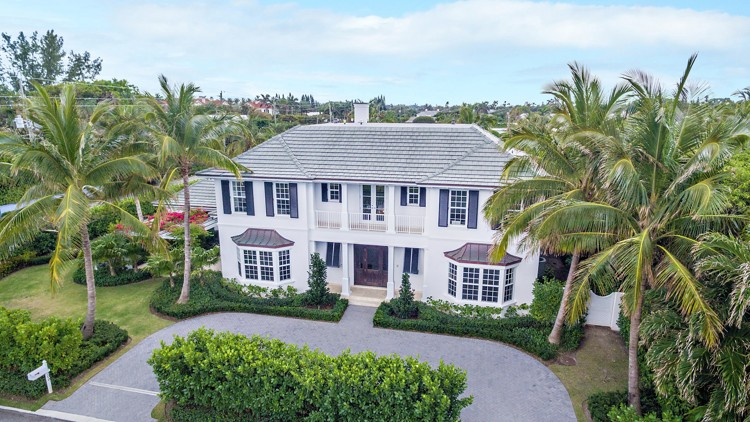 Shapiro Pertnoy Built Home On North End Of Palm Beach Fetches 7 8m